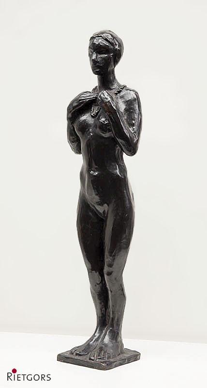 L. Zijl (1866-1947) - Staand vrouwelijk naakt. Ges. op voetplaat.