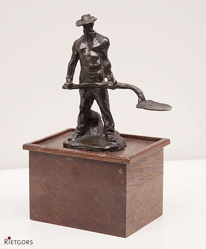 A.J. Dalou (1836-1902) - Werkman met schop. Ges.